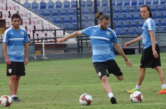 Selección uruguaya realizó su último entrenamiento en Matute