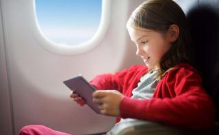 5 consejos para entretener a los niños durante los vuelos