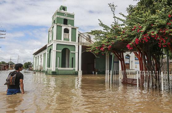 Catacaos inundada por el desborde del río Piura [FOTOS]
