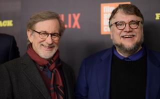 """Netflix: Spielberg y Del Toro en premiere de """"Five Came Back"""""""