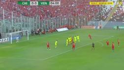 Alexis Sánchez regaló este golazo de tiro libre ante Venezuela