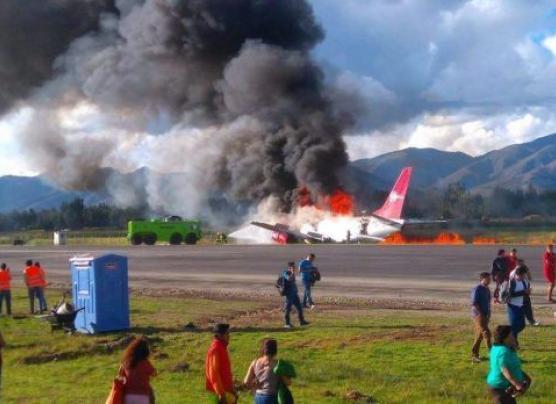Avión de Peruvian Airlines se incendió en aeropuerto de Jauja