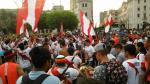 Perú vs. Uruguay: hinchas alentaron en Plaza San Martín [FOTOS] - Noticias de metropolitano