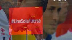 Selección: emotivo minuto de silencio en el Estadio Nacional
