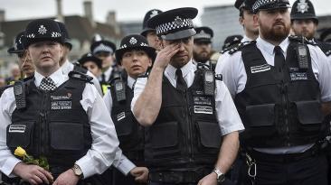 Ataque en Londres: Minuto de silencio en el puente Westminster