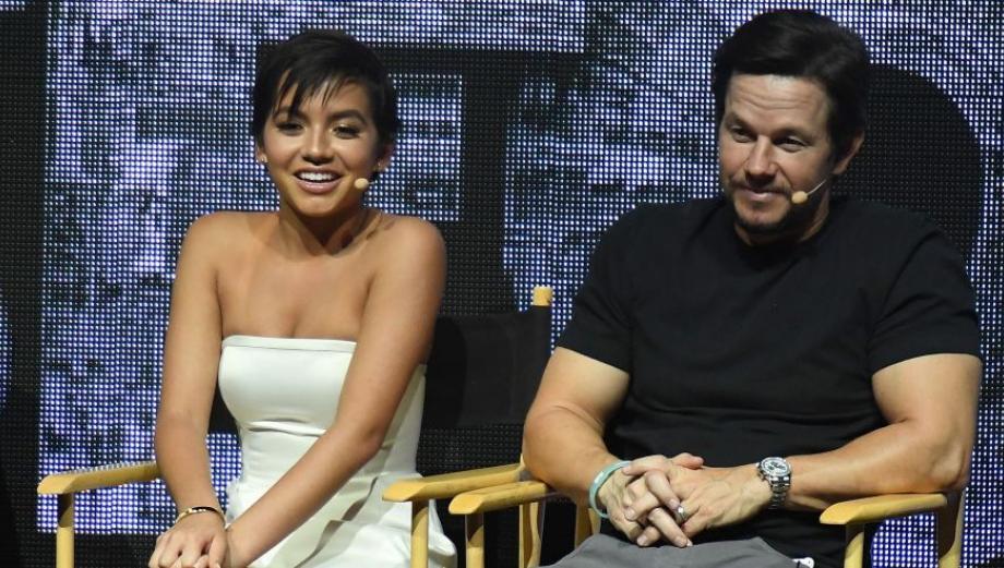 """Actriz de origen peruano de """"Transformers"""" se luce en CinemaCon"""