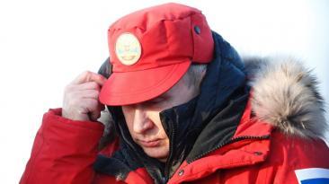 Putin viaja al Ártico para inspeccionar la limpieza de residuos
