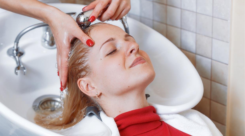 ¿Es bueno lavarse el pelo todos los días?Los expertos responden