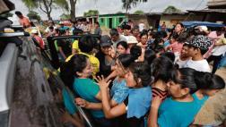 Piura: PNP resguarda entrega de donativos ante desmanes