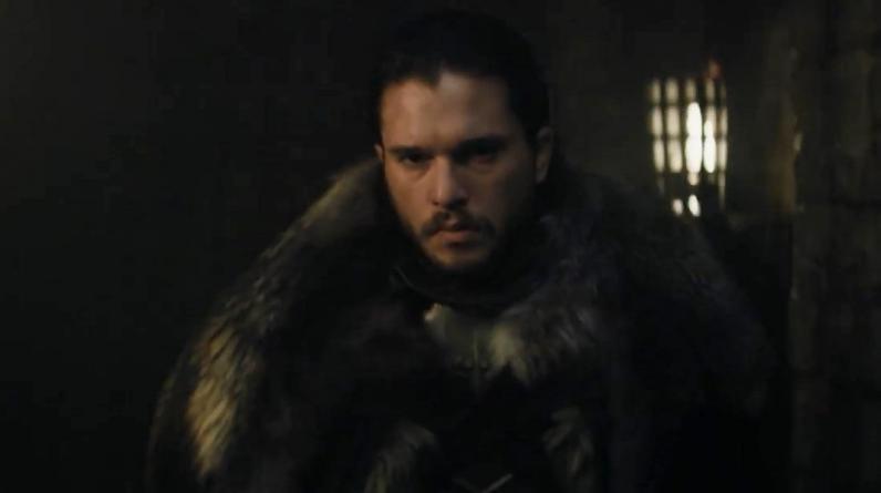 """Game of Thrones"". Jon Snow (Kit Harington) camina por una fortaleza no identificada. (Foto: HBO)"