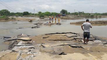 Sufrimiento por hambre y sed en pueblos incomunicados de Piura