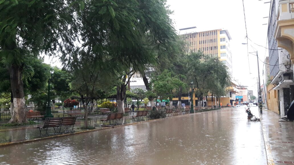 Piura: así lucen sus calles por lluvia torrencial [FOTOS]