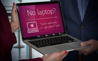 Aerolínea rentará laptops a afectados por prohibición de EE.UU.