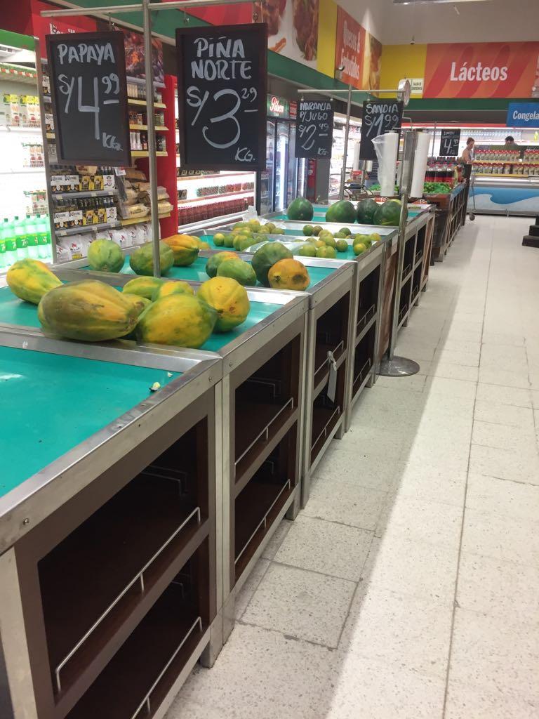 Durante los días de intensas lluvias los consumidores de Piura y Trujillo reclamaron por la escases de alimentos en los supermercados.(Foto: Difusión)