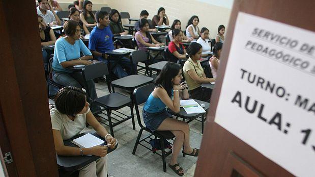 Buscan ampliar límite de edad para docencia universitaria