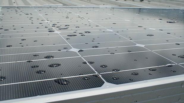 China: Crean paneles solares que funcionan con lluvia o niebla