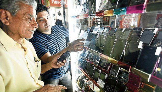 Según Mininter, mecanismo reducirá en 40% el hurto de móviles el primer año. (El Comercio)