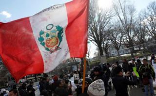 Peruanos piden a la cancillería que solicite TPS en EE.UU.