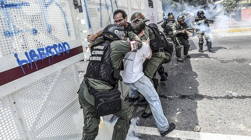 Fuerzas de seguridad bloquean marcha opositora en Venezuela — MÉXICO