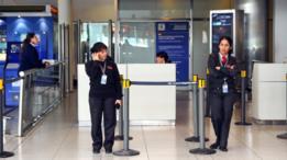 Los argentinos tienen derecho a declarar el ingreso de productos por hasta US0 en los aeropuertos sin pago de impuestos. A partir de esa cifra se cobra el 50% del valor del producto. (Foto: Getty Images)