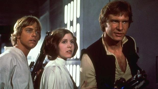 Mark Hamill, Carrie Fisher y Harrison Ford en una escena de