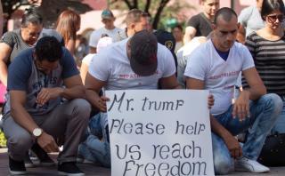"""Cubanos en México: """"Trump, no seremos una carga para EE.UU."""""""