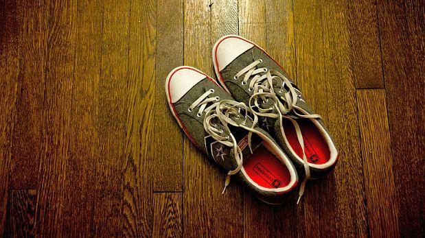 La ciencia detrás de los pasadores que se desatan al caminar