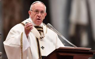 """El papa pide al mundo que """"detenga a los señores de la guerra"""""""