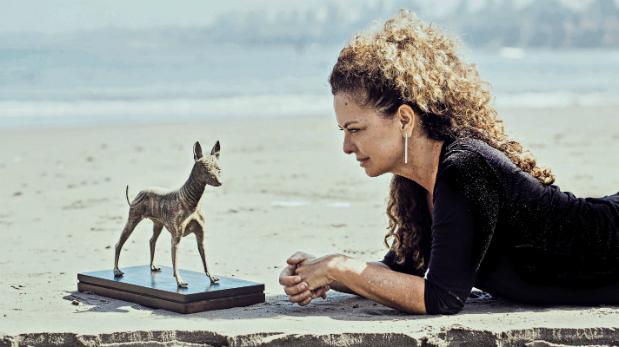 Escultora plasma su fascinación por el perro sin pelo del Perú