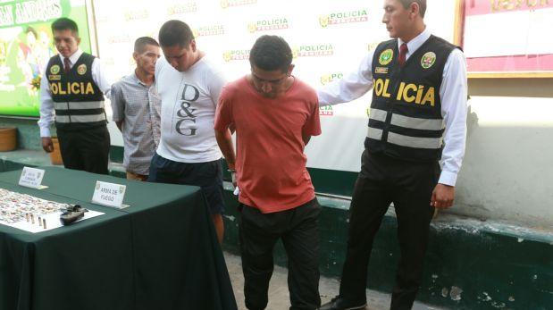 A uno de ellos se le encontró un revólver abastecido con tres municiones. (Lino Chipana / El Comercio)
