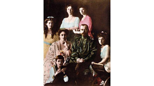 La última foto de la familia imperial, tomada poco antes del estallido de la revolución.  (Crédito: AFP)