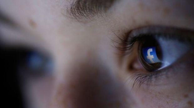 Diario británico denunció a Facebook por pornografía infantil