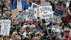 """Revista """"Nature"""" apoya marcha de científicos en contra de Trump"""