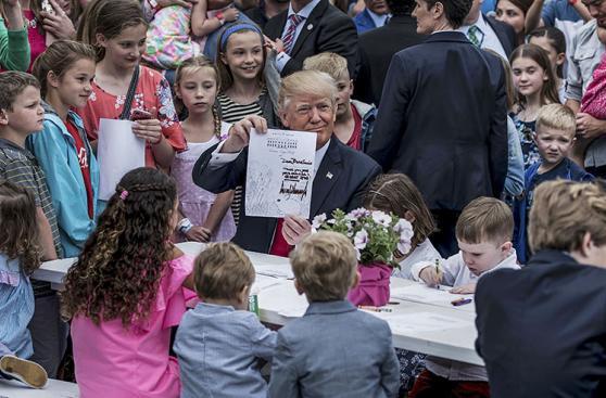 Trump se estrena en la celebración de Pascua en la Casa Blanca