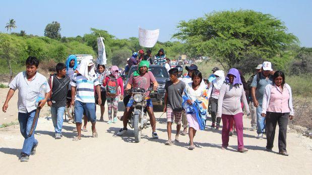 Damnificados bloquean vía para pedir agua potable y saneamiento