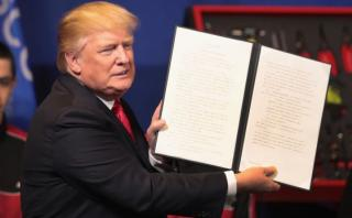 Trump firmó orden para endurecer requisitos de la visa H-1B