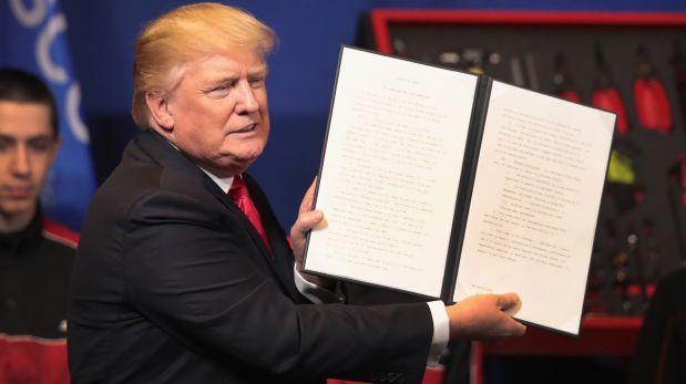 Trump firmó orden para endurecer requisitos de la visa H-1B