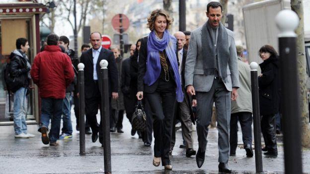 Los Asad se casaron en 2000 después de conocerse en Londres, donde Bashar estudiaba. (Foto: AFP)