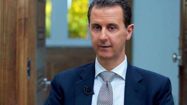 En una entrevista con AFP, el presidente sirio, Bashar al Asad, aseguró que los reportes de que fuerzas gubernamentales sirias llevaron a cabo el ataque químico son una
