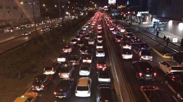 Javier Prado: congestionamiento y malestar reinó en avenida
