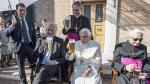 Benedicto XVI brindó con cerveza por sus 90 años [FOTOS] - Noticias de felices fiesta 2013