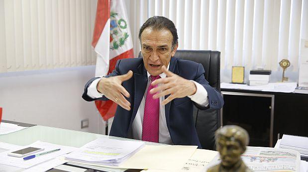 """Héctor Becerril: """"Humala y Heredia se burlan de los peruanos"""""""