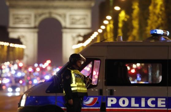 Ataque de París sacude campaña a 48 horas de las elecciones