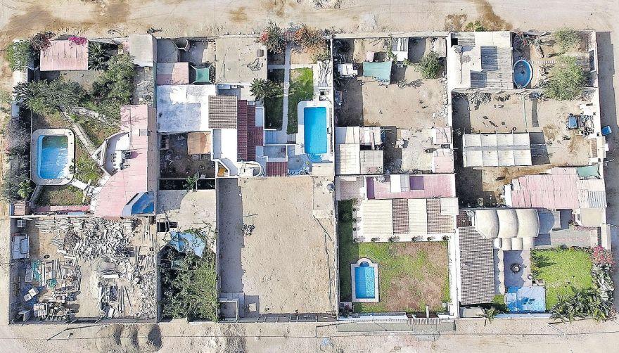 Las lujosas casas de la mafia de Chilca vistas desde un dron