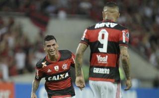Flamengo ganó 2-1 a Botafogo con doblete de Paolo Guerrero