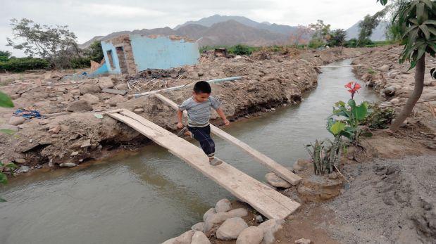 Esto es lo que queda de la zona agrícola de Virú (La Libertad): tierras destruidas, viviendas caídas y canales de riego rotos. (Foto: Lino Chipana).
