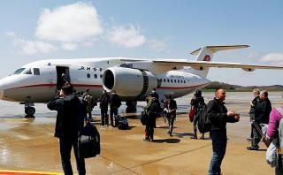 Detienen a estadounidense en aeropuerto de Corea del Norte