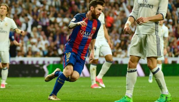 Lionel Messi le dio la victoria al Barcelona convirtiendo el 3-2 ante el Real Madrid. (Video: Youtube/Foto: AFP)