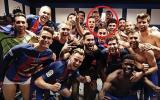 Facebook: Neymar se 'coló' en festejo del Barcelona en camerino