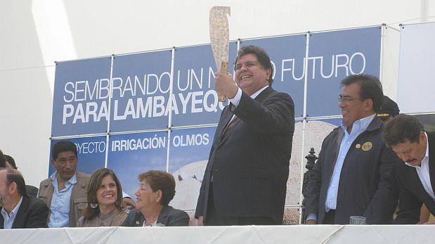 Alan García en la suscripción del contrato de la segunda fase del proyecto Olmos en el 2010. (Foto: Archivo El Comercio/ Video: América TV)